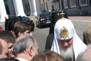 Святейший патриарх Кирилл беседует с членами братств