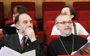 А. Копировский и о. Г. Кочетков