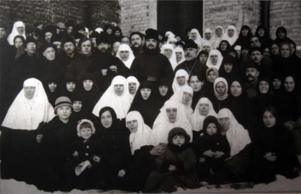 Отец Сергий с общиной