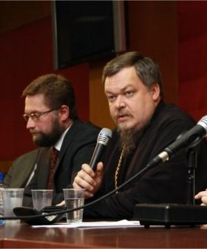 Проректор СФИ Д.С. Гасак и протоиерей Всеволод Чаплин