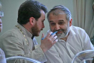 Священник Виталий Фонькин и профессор Давид Гзгзян