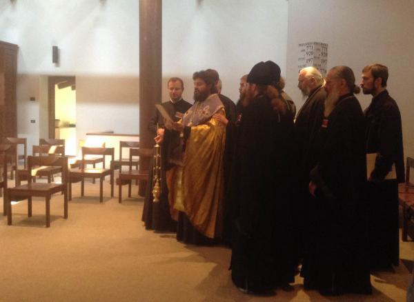 Епископ Филарет служит литию по жертвам Талергофа. 4 сентября 2014 года, Бозе.