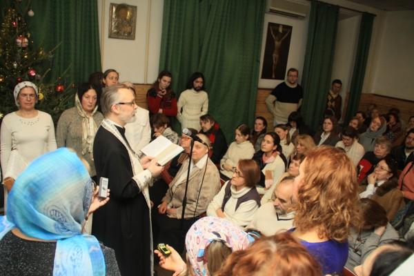 богослужении в часовне Свято-Филаретовского института