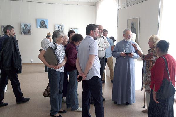 Община в картинной галерее
