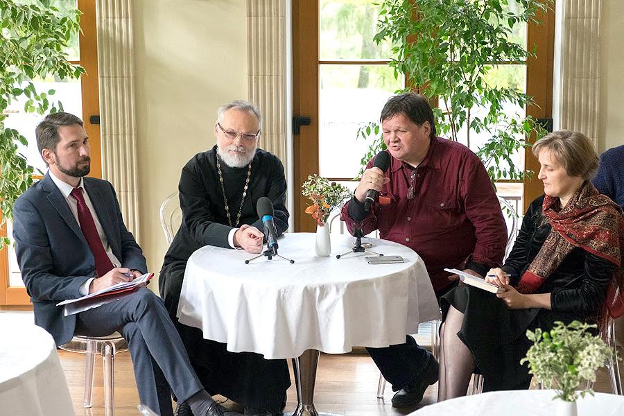 Алексей Андреевич Наумов, священник Георгий Кочетков, Андрей Анатольевич Левандовский, Юлия Валентиновна Балакшина
