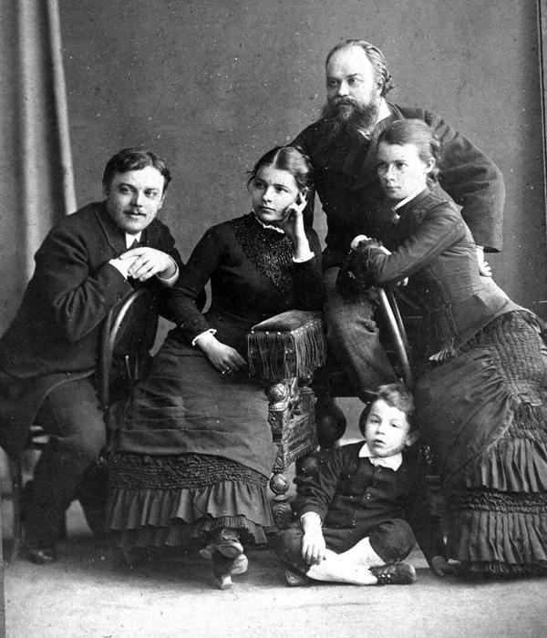 Семья Мамонтовых