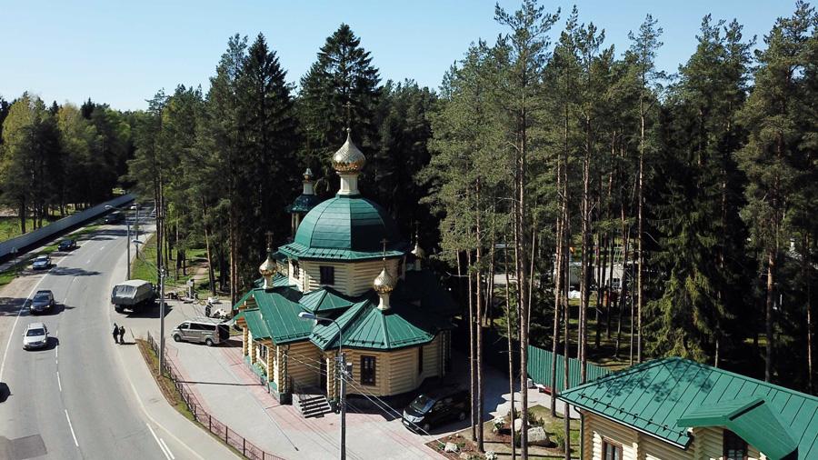 Храм Всех святых, в земле Санкт-Петербургской просиявших