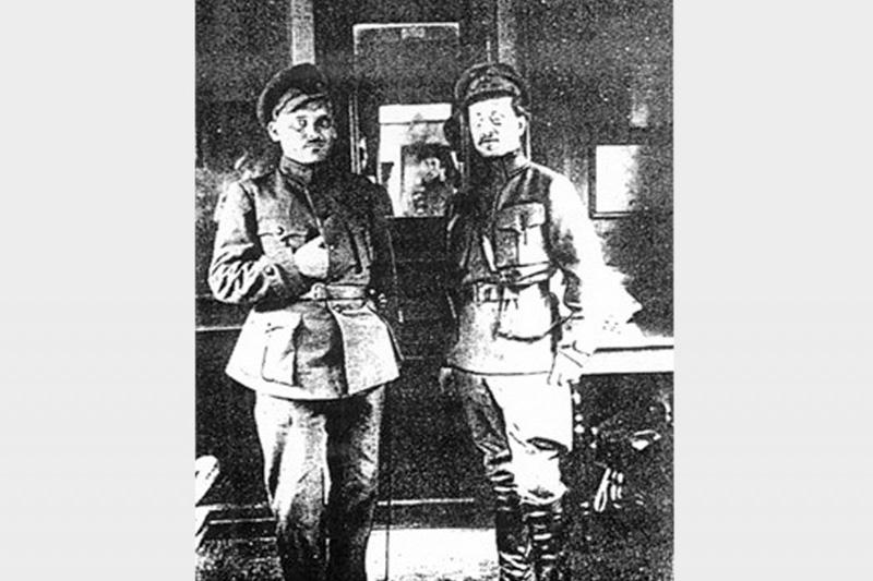 атаман Григорьев и командующий Украинским фронтом РККА Антонов-Овсеенко