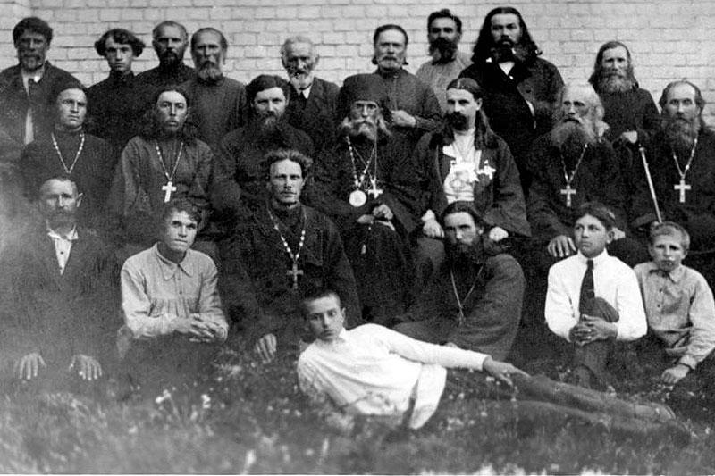 Участники Стодвадцативерстного крестного хода