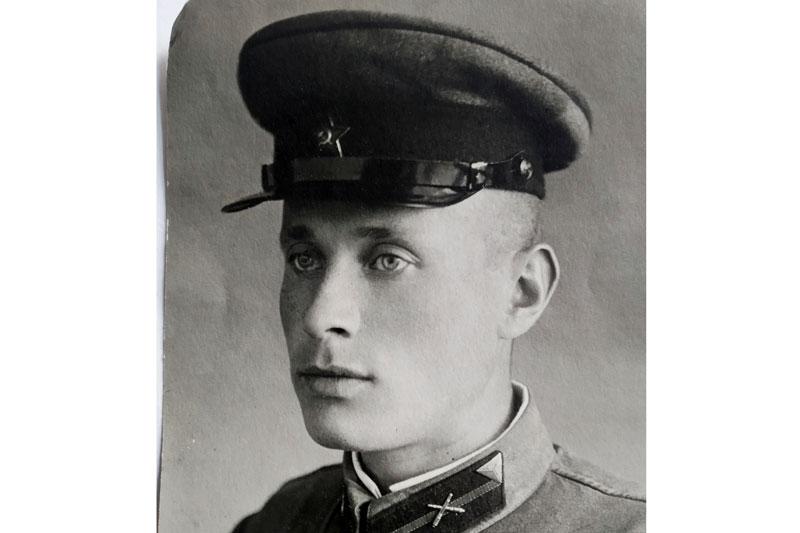 На фотографии 1941 года – отец автора, Константин Иванович Козлов