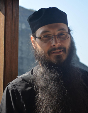 Священник Петр Прутяну
